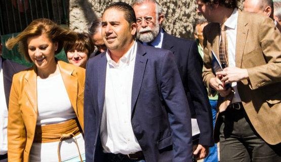Cospedal junto a Inocencio Gil, alcalde del PP en la localidad toledana de Pepino