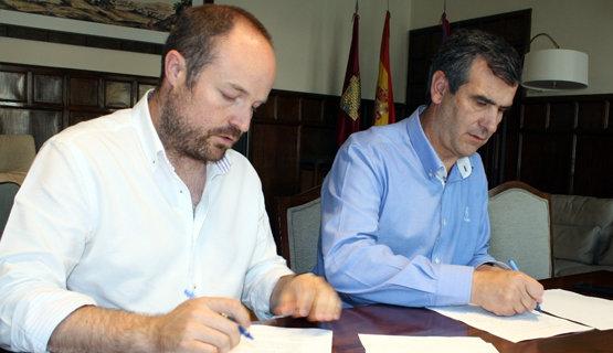 Alejandro Ruiz, edil de C's, y Antonio Román, alcalde del PP | Foto Archivo