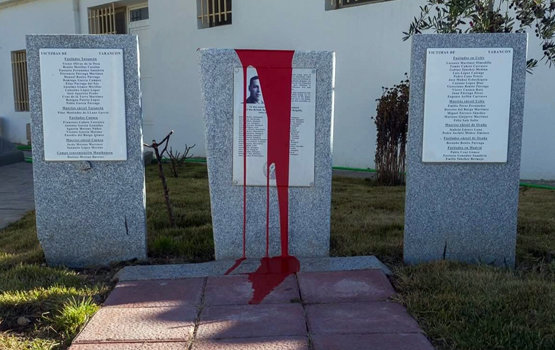Así ha quedado el monolito tras el acto vandálico | Foto: ARMH-Cuenca