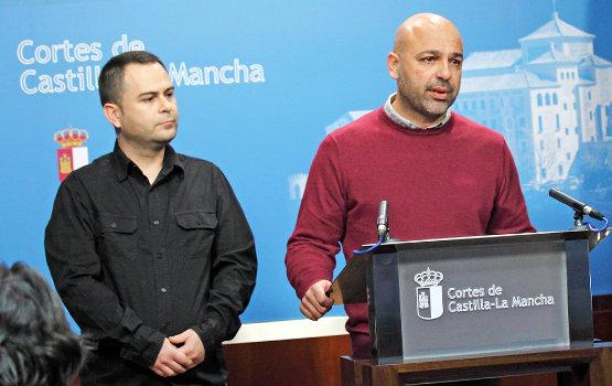 Los dos diputados regionales de Podemos, David Llorente y José García Molina