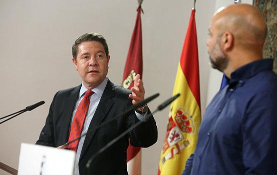 García-Page junto a Molina, secretario regional de Podemos | Foto: Ignacio López